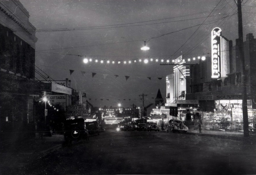 Katoomba at night 1938