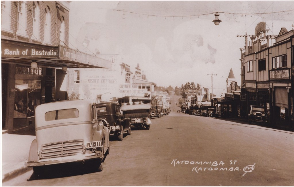 Katoomba Street 1920's (later)